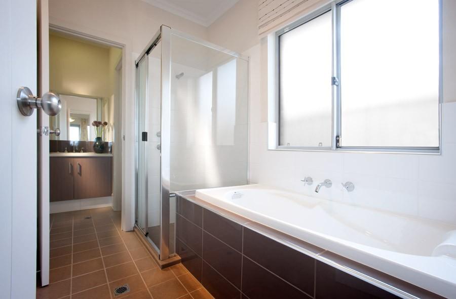 Thorngate 108 home design sterling homes home for Bathroom gate design